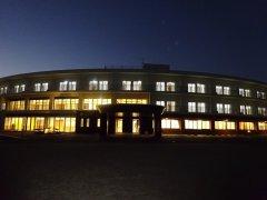 新築松の寮の夜景