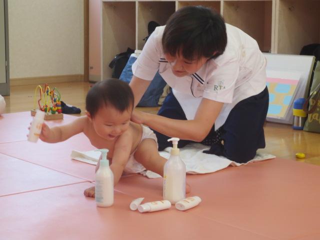 乳幼児のスキンケア~ベビーマッサージ